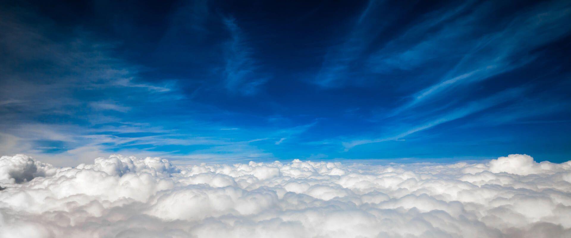 03-old-showcase_clouds.jpg - 85.47 kB